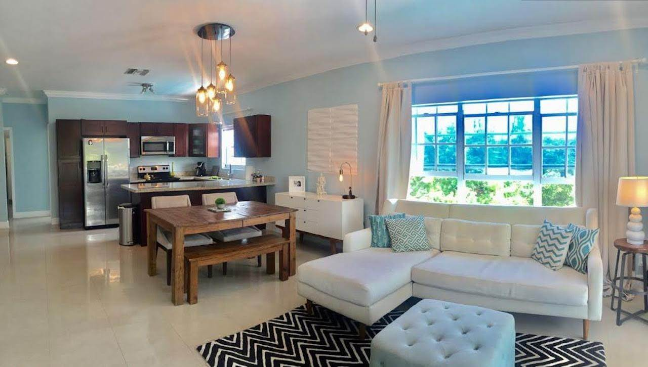 4. Co-op / Condo for Rent at Stylish Venito Condo on Cable Beach Cable Beach, Nassau And Paradise Island, Bahamas