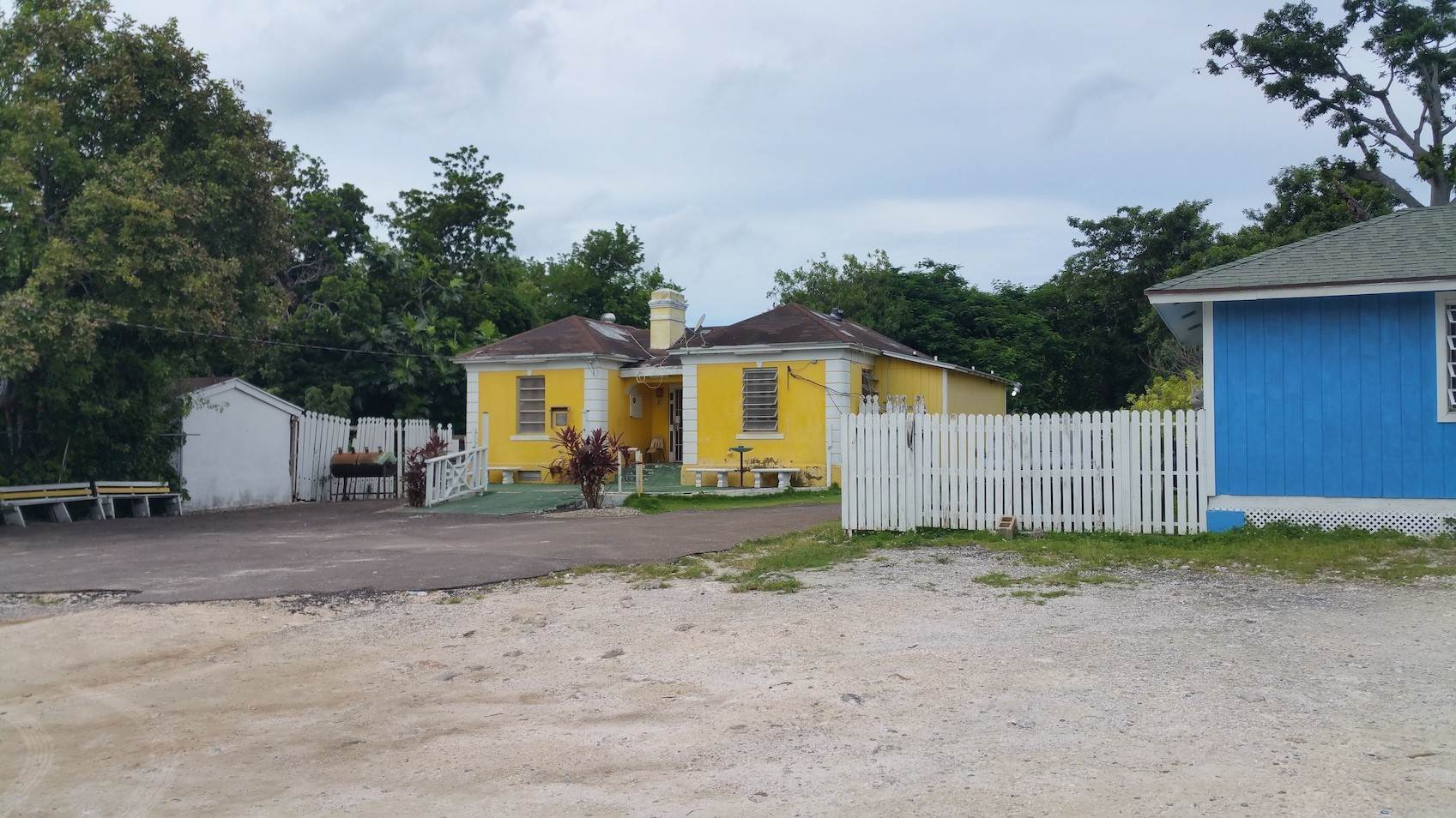 3. Commercial for Sale at Small Restaurant on Very Large Lot Chippingham, Nassau And Paradise Island, Bahamas