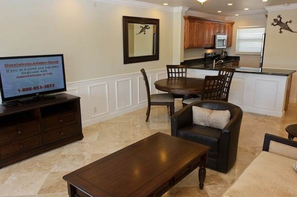 5. Co-op / Condo for Rent at Gorgeous 2 Bed Condo on the Canal Freeport And Grand Bahama, Bahamas