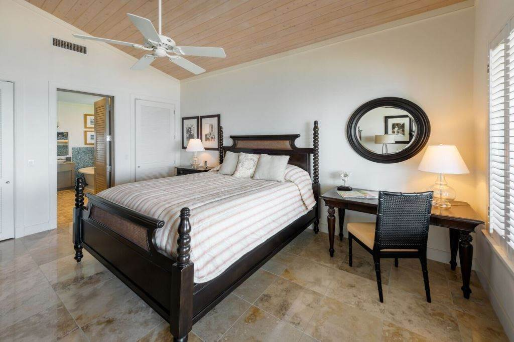 10. Single Family Homes for Sale at Sea Glass Exclusive Waterfront Home At The Abaco Club on Winding Bay - MLS 31382 Winding Bay, Abaco, Bahamas