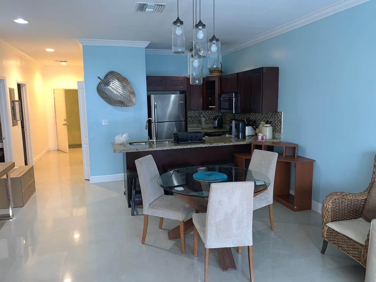 2. Co-op / Condominio por un Alquiler en Stylish Condo Living at The Venito Westridge Estates, Westridge, Nueva Providencia / Nassau Bahamas