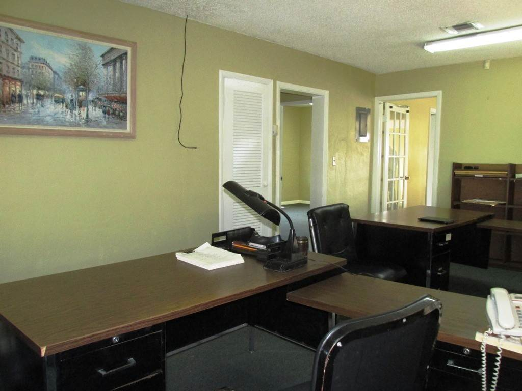 10. Commercial for Rent at Centrally located Office space Nassau And Paradise Island, Bahamas